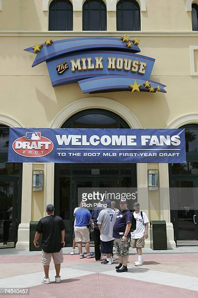 General view as baseball fans await entry to the Milk House for the 2007 First-year player draft in Disney's Wide World of Sports Complex in Lake...
