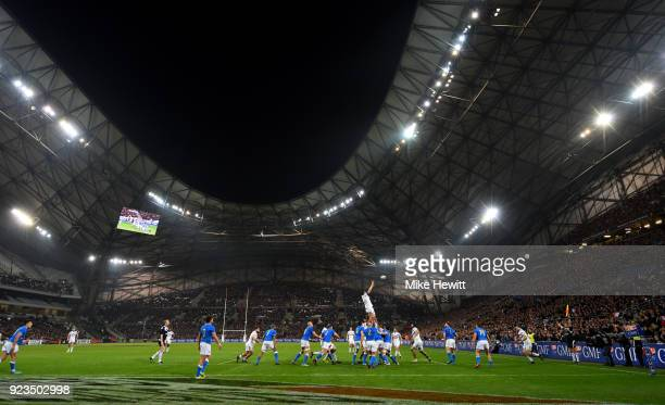 General view as France win the lineout during the NatWest Six Nations match between France and Italy at Stade Velodrome on February 23 2018 in...