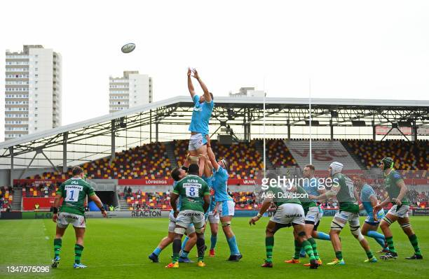 General view as Freddie Clarke of Gloucester wins the ball in the lineout during the Gallagher Premiership Rugby match between London Irish and...