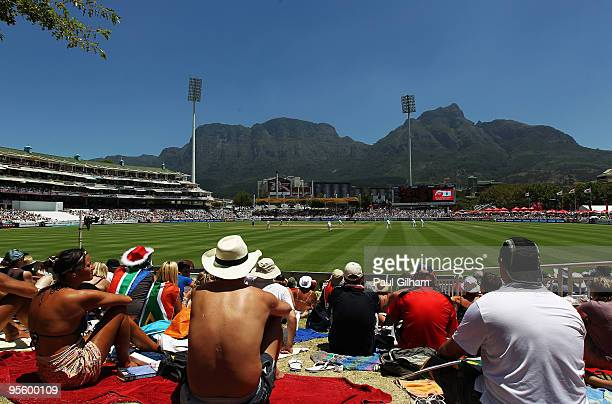 A general view as JeanPaul Duminy and AB de Villiers of South Africa bat against England during day four of the third test match between South Africa...