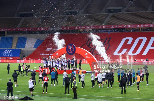 General view as Martin Zubimendi and Mikel Oyarzabal of Real Sociedad lift the trophy after winning the Copa Del Rey Final match between Real...
