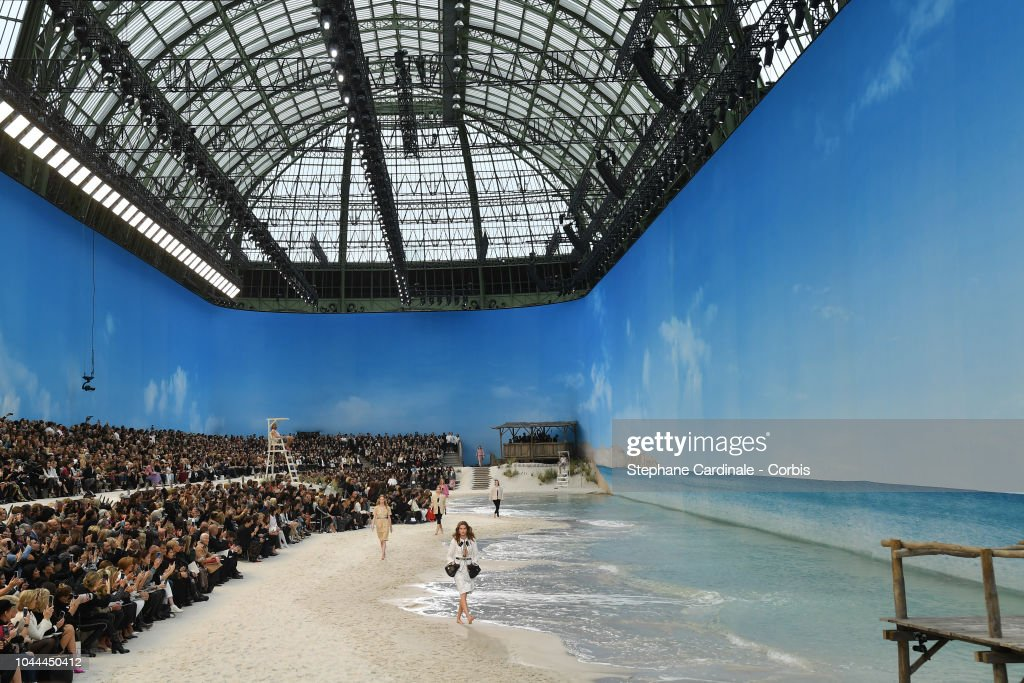 Chanel : Runway - Paris Fashion Week Womenswear Spring/Summer 2019 : Nachrichtenfoto
