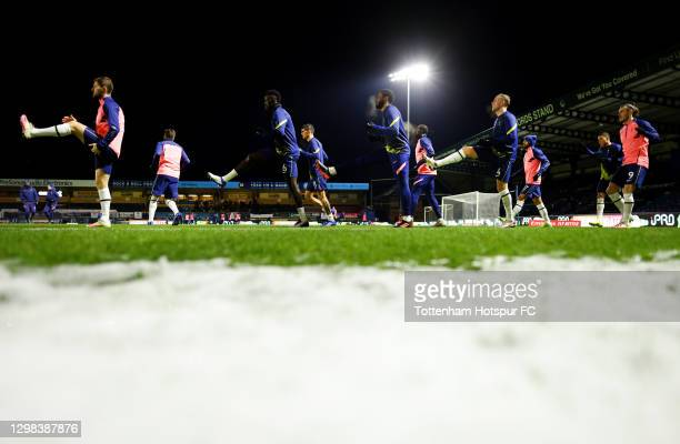General view as players of Tottenham Hotspur, led by Ben Davies, Davinson Sanchez, Japhet Tanganga, Toby Alderweireld and Gareth Bale warm up ahead...