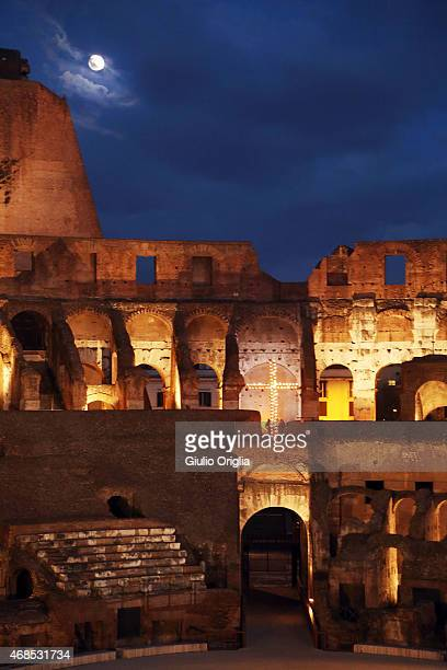 A general view as Pope Francis leads the Way of The Cross at the Colosseum on April 3 2015 in Rome Italy The Way of the Cross is a centuriesold and...