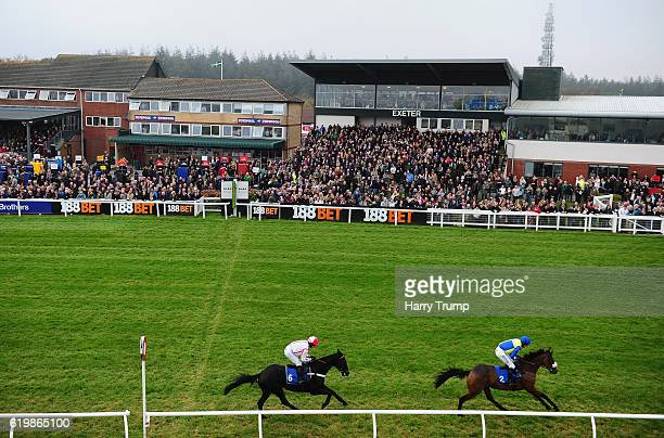 General view as runners make their way around the course at Exeter Racecourse on November 1 2016 in Exeter England