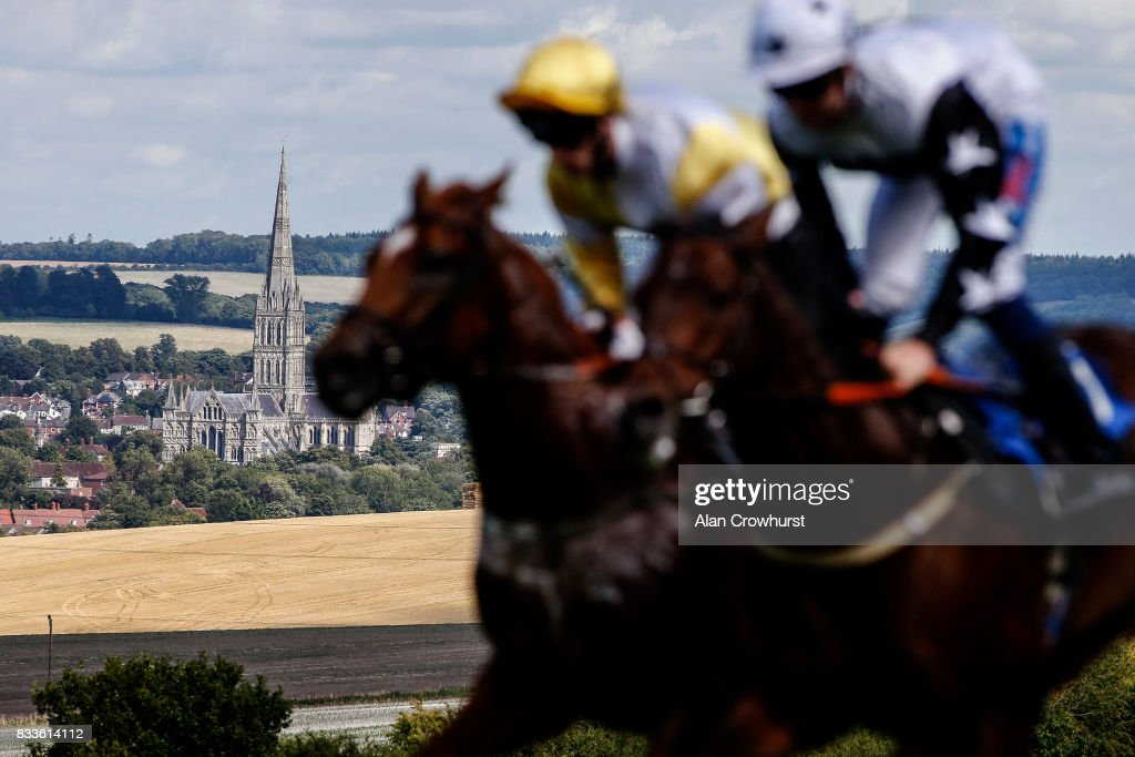 A general view as runners make their way up the straight with the cathedral in the distance at Salisbury racecourse on August 17, 2017 in Salisbury, England.