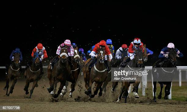 A general view as runners turn into the straight at Chelmsford racecourse on December 01 2016 in Chelmsford England