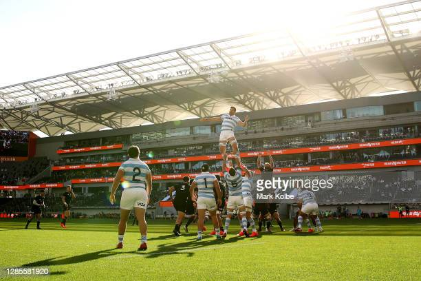 General view as the All Blacks wins a line-out ball during the 2020 Tri-Nations rugby match between the New Zealand All Blacks and the Argentina Los...