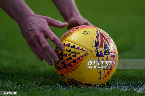 A general view as the ball is placed for a corner kick during the Sky Bet League One match between Oxford United and Sunderland at Kassam Stadium on...