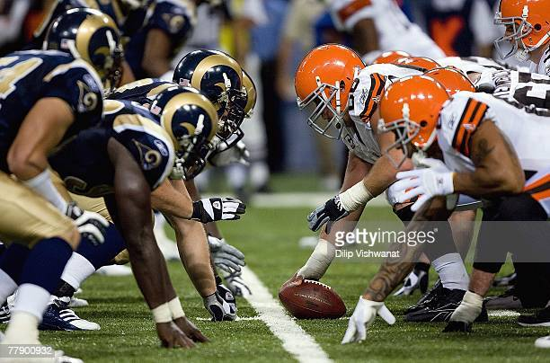 A general view as the Cleveland Browns line up at the line of scrimmage against the St Louis Rams at the Edward Jones Dome October 28 2007 in St...