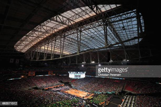 A general view as the North Carolina Tar Heels take on the Oregon Ducks during the 2017 NCAA Men's Final Four Semifinal at University of Phoenix...