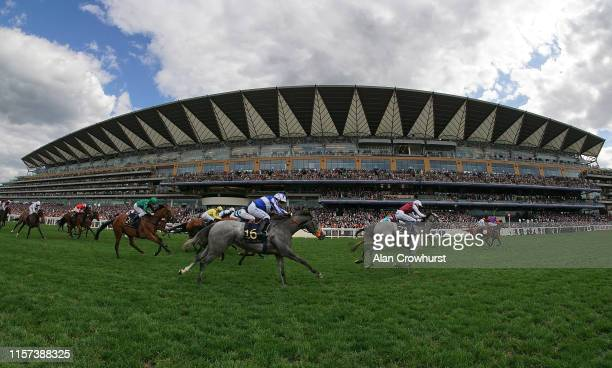 General view as the runners in The Sandringham Stakes race to the finish on day four of Royal Ascot at Ascot Racecourse on June 21, 2019 in Ascot,...