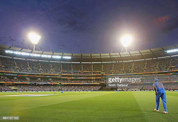 A general view at dusk during the 2015 ICC Cricket World Cup match between South Africa and India at Melbourne Cricket Ground on February 22 2015 in...