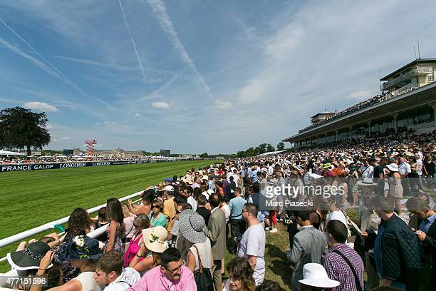 A general view at the audience during the 'Prix de Diane Longines 2015' at Hippodrome de Chantilly on June 14 2015 in Chantilly France