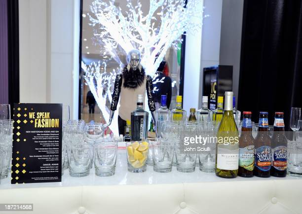 A general view at the Bloomingdale's Glendale opening gala celebration with VH1 Save The Music Foundation at Bloomingdale's Glendale on November 6...