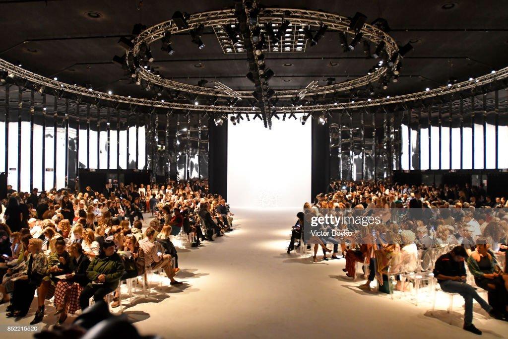 Blumarine - Runway - Milan Fashion Week Spring/Summer 2018 : News Photo