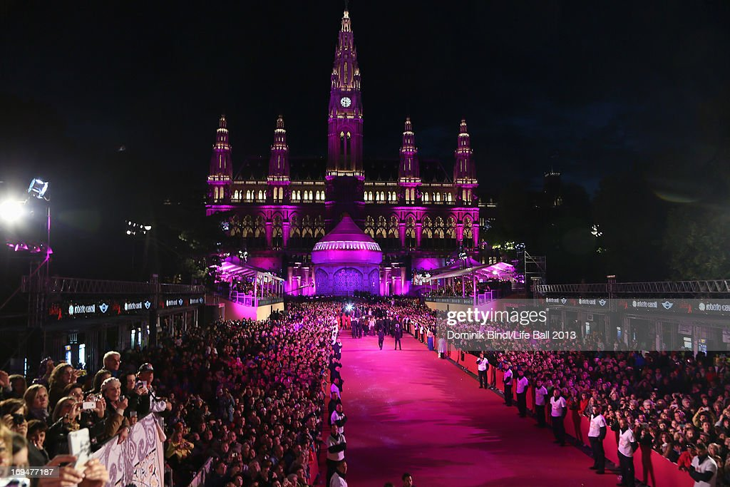 A general view at the 'Life Ball 2013 - Magenta Carpet Arrivals' at City Hall on May 25, 2013 in Vienna, Austria.