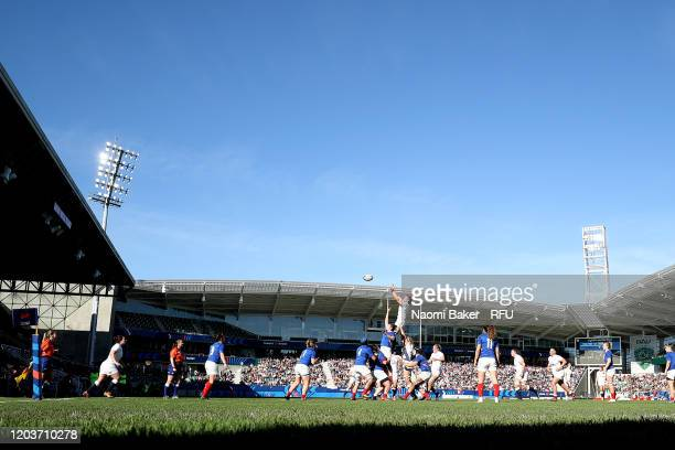 General view during a line out during the Women's Six Nations Tournament match between France and England on February 02 2020 in Pau France
