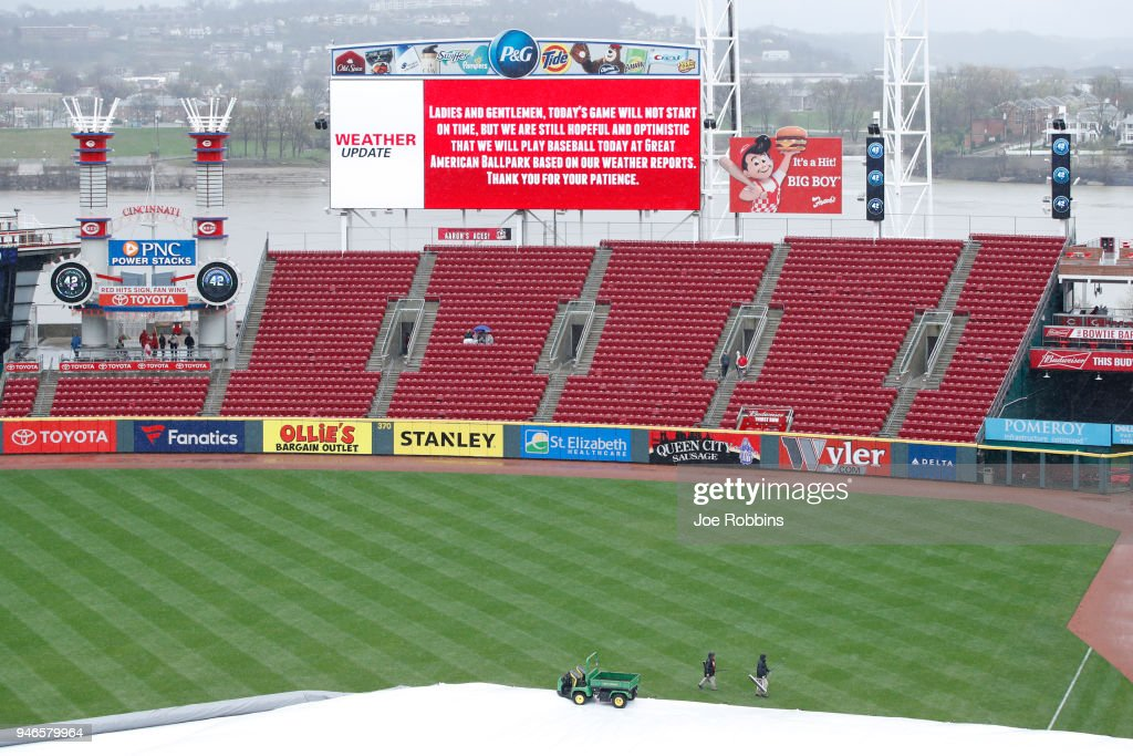General view during a rain delay prior to the game between the St. Louis Cardinals and Cincinnati Reds at Great American Ball Park on April 15, 2018 in Cincinnati, Ohio.