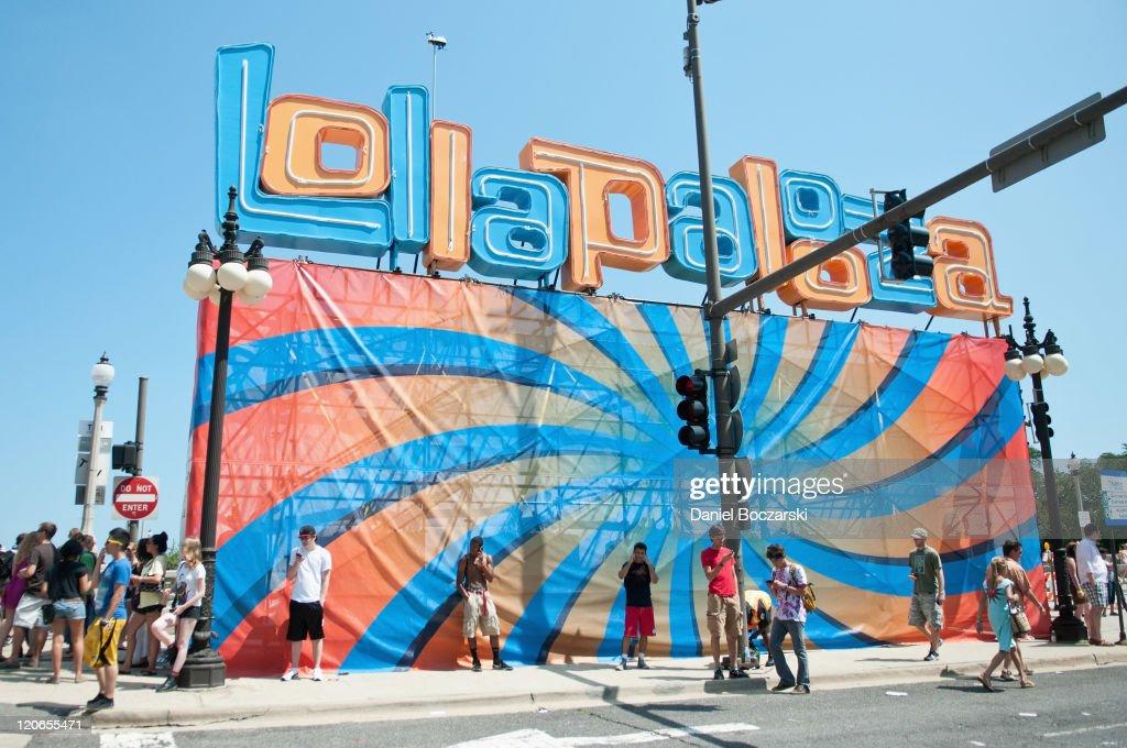 Lollapalooza 2011 - Day 3 : News Photo