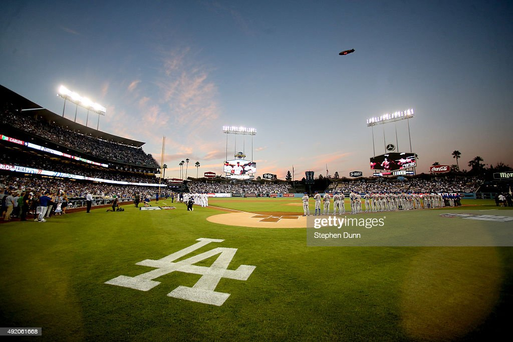 Division Series - New York Mets v Los Angeles Dodgers - Game One : News Photo