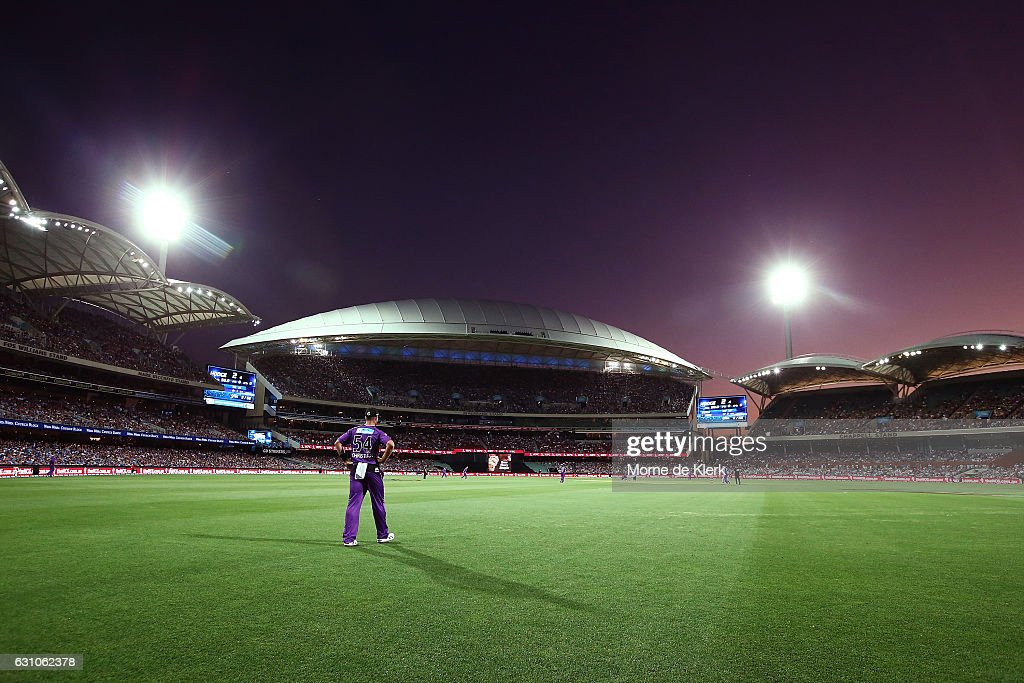 A general view during the Big Bash League match between the Adelaide Strikers and the Hobart Hurricanes at Adelaide Oval on January 6, 2017 in Adelaide, Australia.