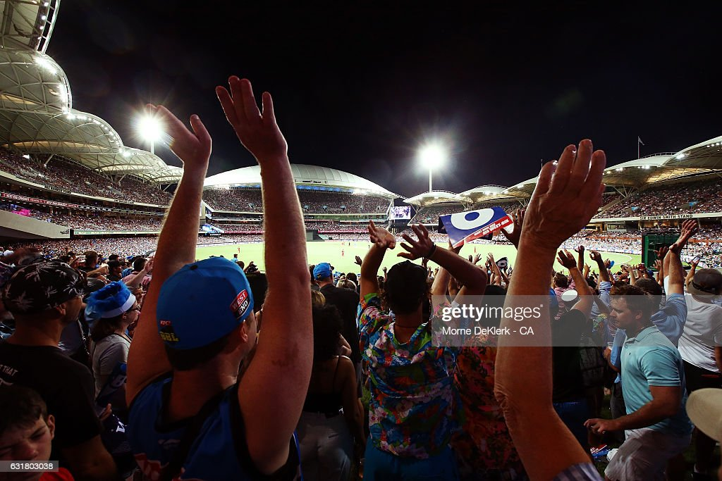 A general view during the Big Bash League match between the Adelaide Strikers and the Melbourne Renegades at Adelaide Oval on January 16, 2017 in Adelaide, Australia.