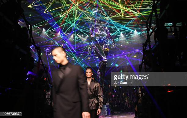 A general view during the Dior PreFall 2019 Men's Collection show on November 30 2018 in Tokyo Japan