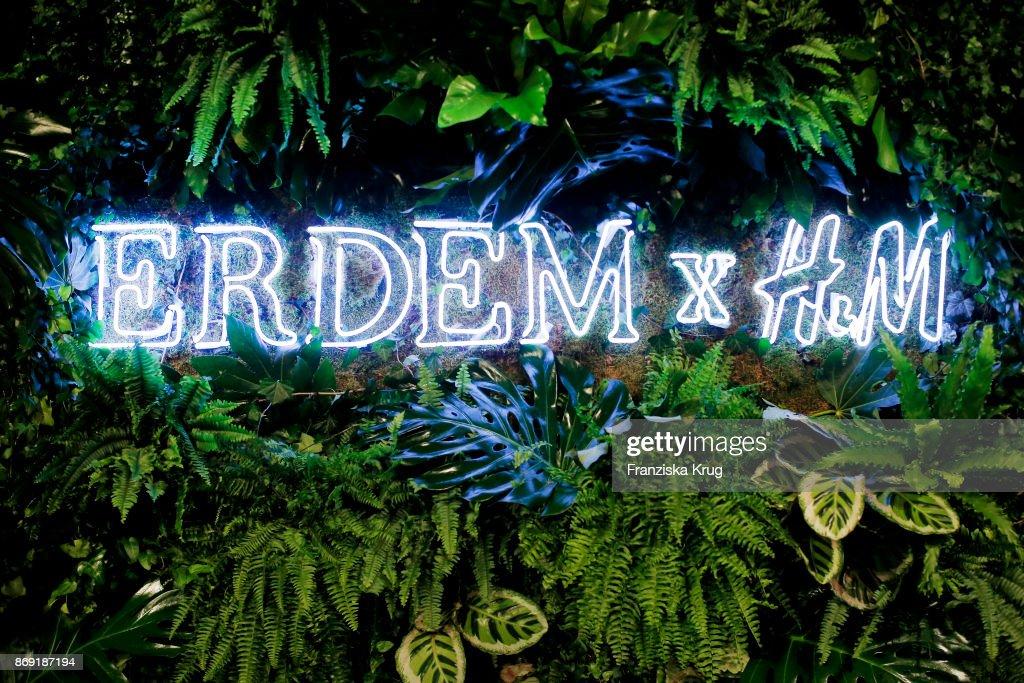 ERDEM X H&M Collection Pre-Shopping Event In Berlin : Foto di attualità
