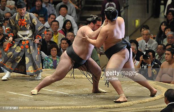 A general view during the Grand Sumo Tournament at Ryogoku Kokugikan Hall on September 25 2010 in Tokyo Japan