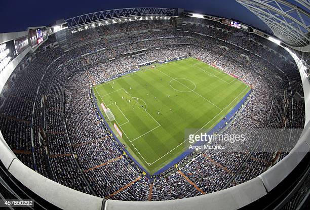 General view during the La Liga match between Real Madrid CF and FC Barcelona at Estadio Santiago Bernabeu on October 25, 2014 in Madrid, Spain.