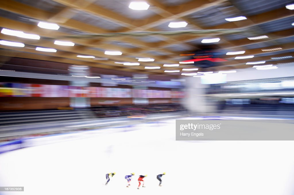 A general view during the Men's 1000m pre-preliminaries on day two of the Samsung ISU Short Track World Cup at the Palatazzoli on November 8, 2013 in Turin, Italy.