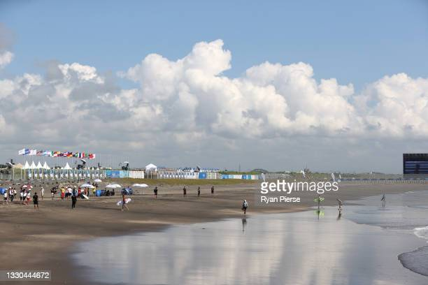 General view during the Men's Round 1 heat on day two of the Tokyo 2020 Olympic Games at Tsurigasaki Surfing Beach on July 25, 2021 in Ichinomiya,...