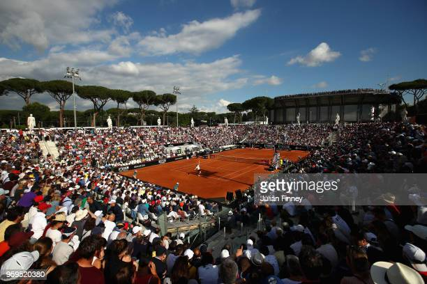 General view during the men's singles match between Kyle Edmund of Great Britain and Alexander Zverev of Germany during day five of the...