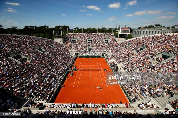General view during the mens singles third round match between Roger Federer of Switzerland and Casper Ruud of Norway during Day six of the 2019...