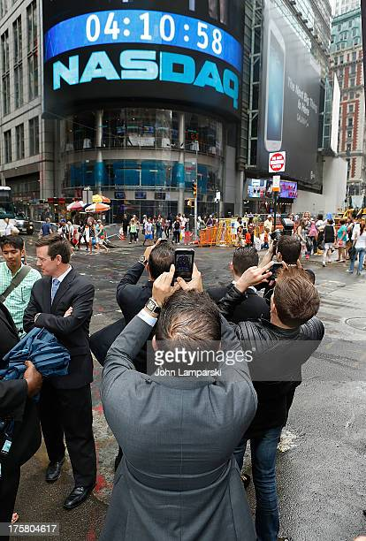 A general view during the Million Dollar Listings Los Angeles castmembers ringing the closing bell at the NASDAQ MarketSite on August 8 2013 in New...