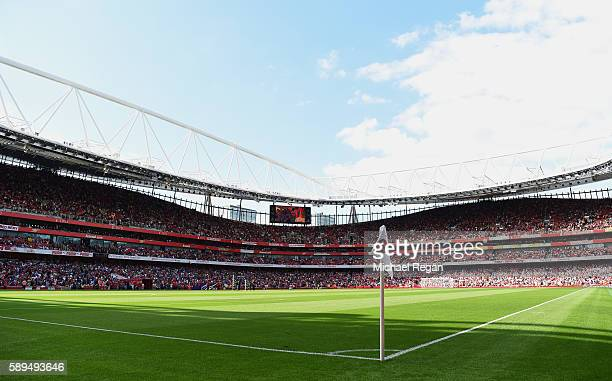 A general view during the Premier League match between Arsenal and Liverpool at Emirates Stadium on August 14 2016 in London England