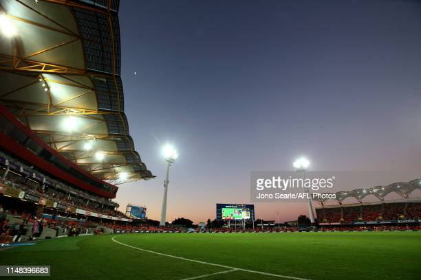A general view during the round eight AFL match between the Gold Coast Suns and the Melbourne Demons at Metricon Stadium on May 11 2019 in Gold Coast...