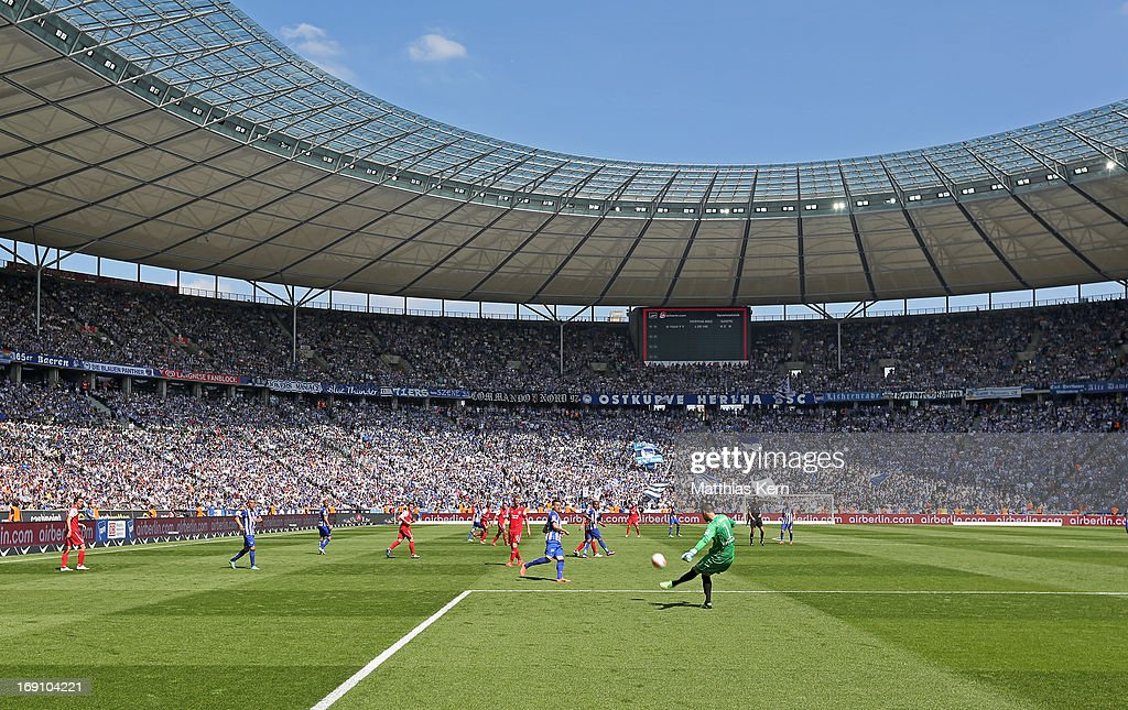 Hertha BSC Berlin v Energie Cottbus - 2. Bundesliga : News Photo