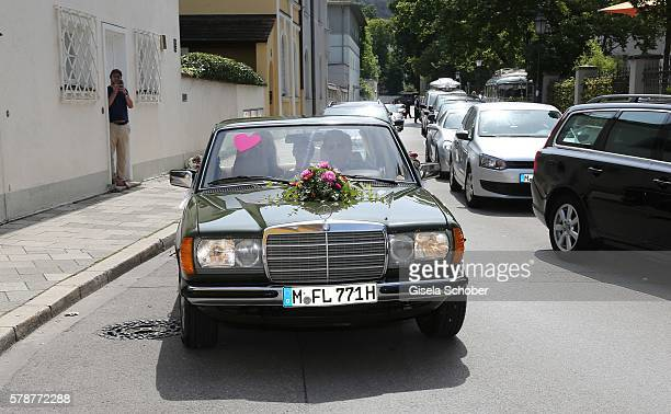A general view during the wedding of Mario Gomez and Carina Wanzung at registry office Mandlstrasse on July 22 on July 22 2016 in Munich Germany