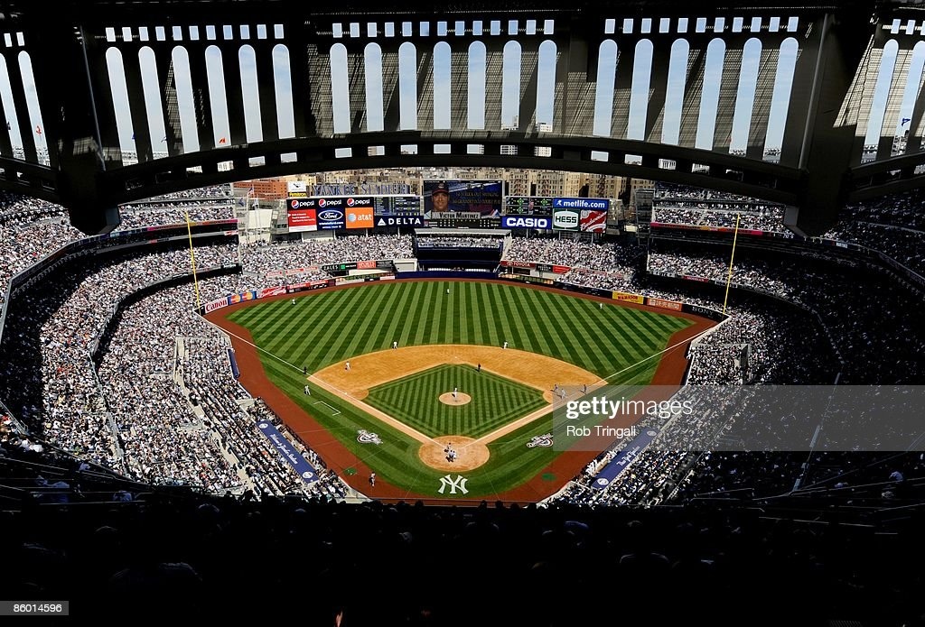 Cleveland Indians v New York Yankees : News Photo