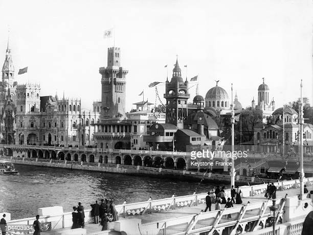 General view in 1900 from the Alma Bridge of the buildings constructed for the World's Fair in Paris on the Quay d'Orsay one can see from left to...