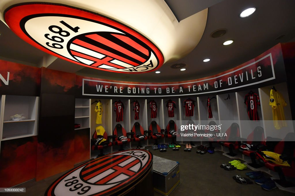 a general view inside the ac milan dressing room prior to the uefa photo d 39 actualit getty. Black Bedroom Furniture Sets. Home Design Ideas