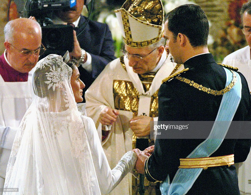 A general view inside the Almudena cathedral where the wedding ceremony takes place between Spanish Crown Prince Felipe de Bourbon and former journalist Letizia Ortiz on May 22, 2004 in Madrid.
