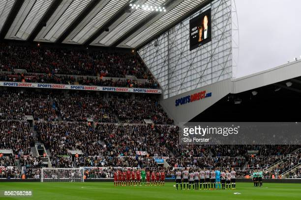 General view inside the stadium as Players and fans pay tribute to exNewcastle United chairman Freddy Shepherd prior to the Premier League match...