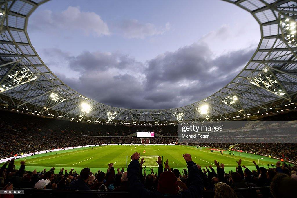 West Ham United v Stoke City - Premier League : News Photo