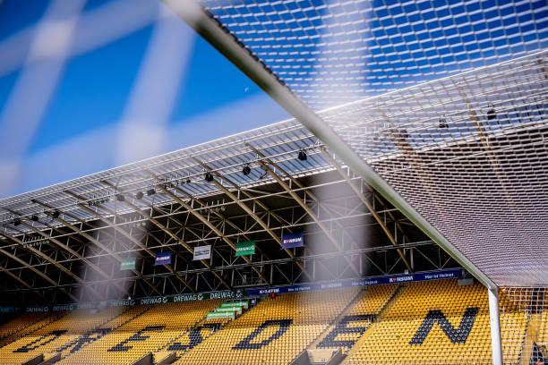 DEU: SG Dynamo Dresden v SSV Jahn Regensburg - Second Bundesliga