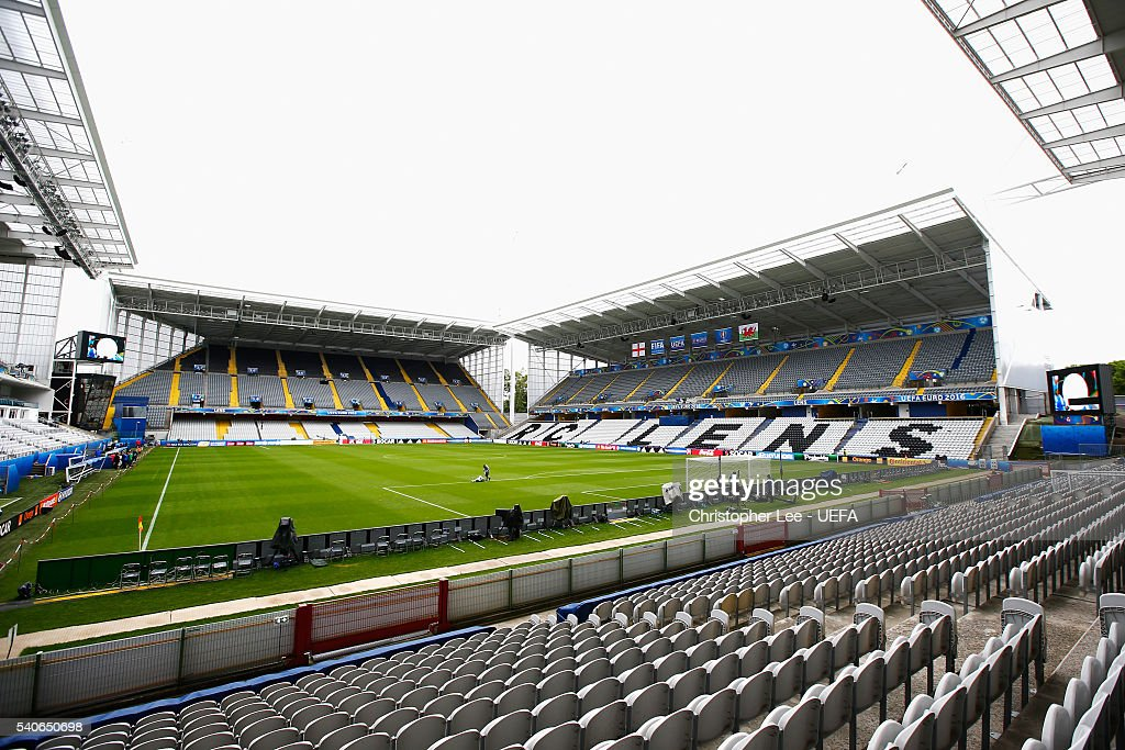 A general view inside the stadium prior to the UEFA EURO 2016 Group B match between England and Wales at Stade Bollaert-Delelis on June 16, 2016 in Lens, France.