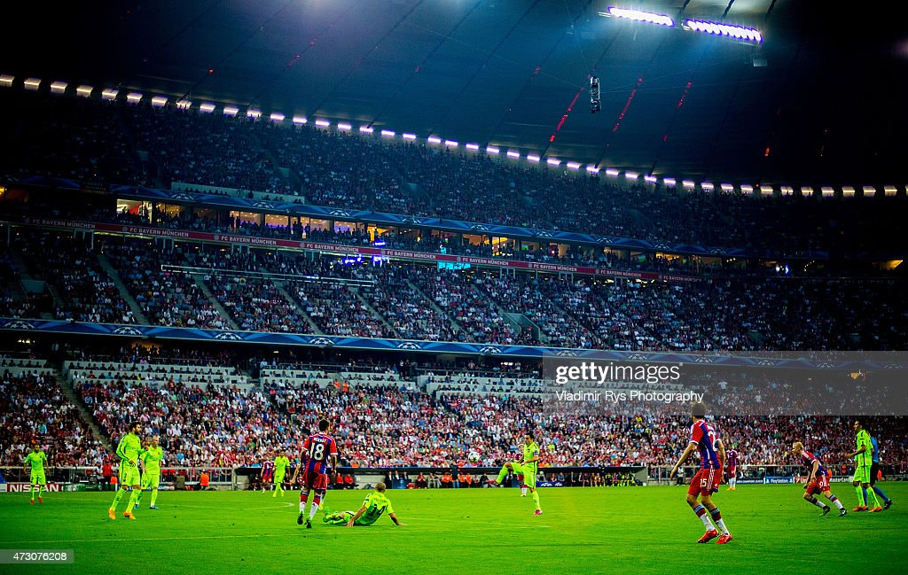 General view is seen as Xavi Hernandez of Barcelona controls the ball during the second leg of the UEFA Champions League semi-final match between FC Bayern Muenchen and FC Barcelona at the Allianz Arena on May 12, 2015 in Munich, Germany.