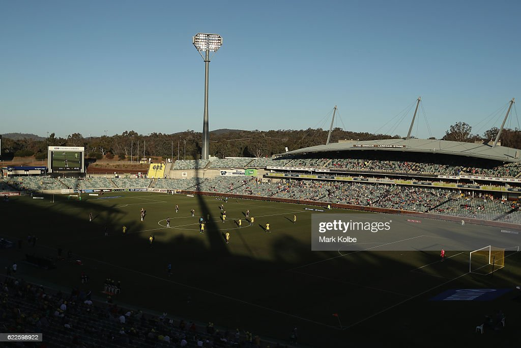 A-League Rd 6 - Central Coast v Wellington : News Photo